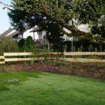 Weiler – Rasen, Zaun und Pflanzung